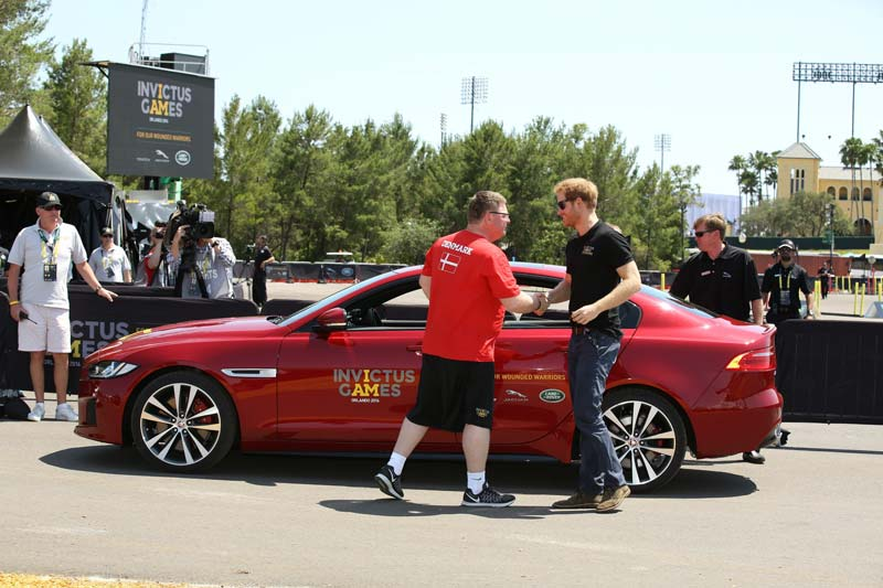 vehicle-wrapping-jaguar-for-invictus-games